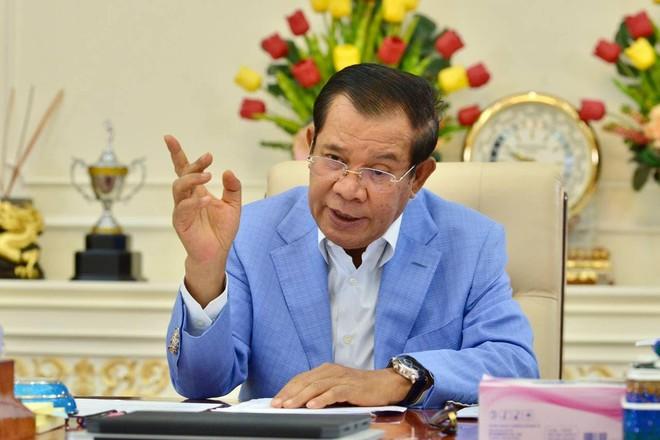 Thủ tướng Campuchia Hun Sen cho biết Trung Quốc tặng Campuchia 1 triệu liều vắc xin Sinovac để ngừa Covid-19 /// Văn phòng Thủ tướng Campuchia